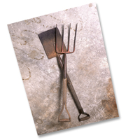 TMG_pitchfork_shovel